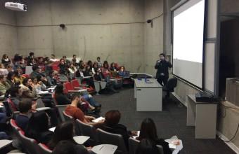 Integrantes del Laboratorio de Ciencias Cognitivas presentaron su trabajo a estudiantes de pregrado