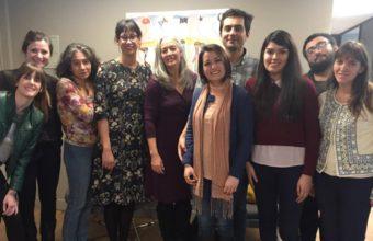 Stephanie M. Reich, Ph.D. presenta su programa de investigación a los alumnos del DCDP