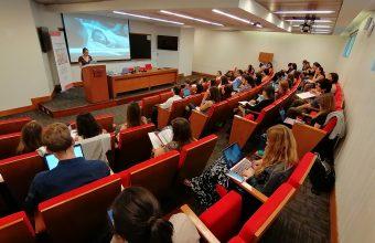 ESTUDIANTES DEL DCDP PRESENTAN SUS INVESTIGACIONES EN SEMINARIO INTERNACIONAL SOBRE COGNICIÓN, DESARROLLO Y PSICOPATOLOGÍA