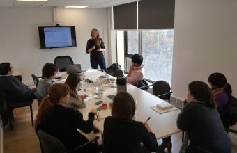 Estudiantes de Doctorado participan en conferencia de expositora internacional, Dra. Laura Taylor
