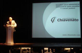 Exitosa visita del Dr. Idalberto Chiavenato en la UDD