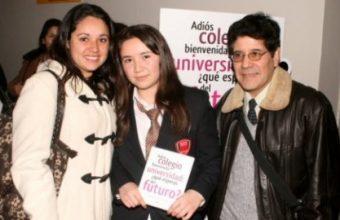 Libro con ensayos de Estudiantes de 4° Medio de Concepción