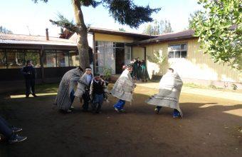 Integración intercultural se logró tras visita de alumnos de Intervención Educacional a escuela de niños mapuche