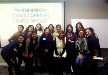 """Alumnos capacitan a trabajadoras de ADRA Hualpén con """"Aprendiendo a …"""
