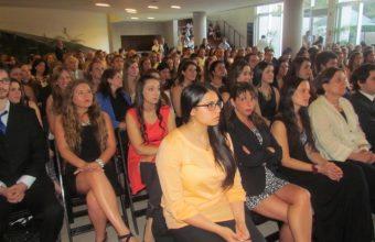 Facultad de Psicología UDD gradúa a 59 nuevos estudiantes