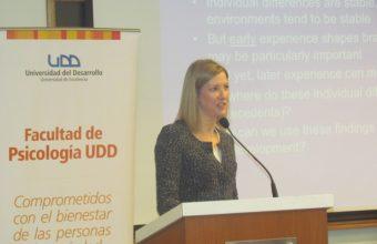 Dra. Stephanie Carlson habla sobre la importancia de la función ejecutiva en inauguración del CARE