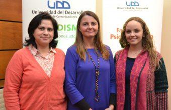 UDD presentó estudio sobre adolescentes y redes sociales en seminario RedLacionados