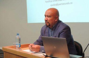 Re-legitimación de psicología laboral fue tema expuesto en conversatorio
