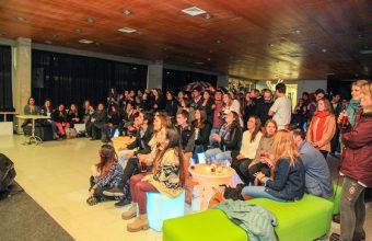 Psicología UDD Santiago celebró sus seis años de Acreditación con música y luces