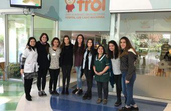 Voluntarias de Mente estimulan la lectura de niños y niñas del Centro TROI