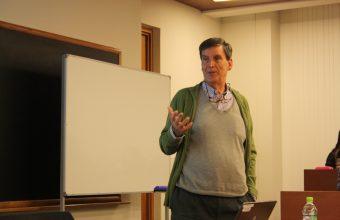 Catedrático catalán dictó clase magistral sobre bienestar subjetivo a estudiantes de Psicología