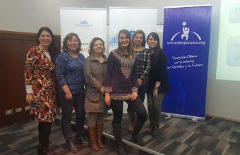 Alumni de Psicología dicta charla sobre suicidio adolescente durante Semana Sello en Concepción