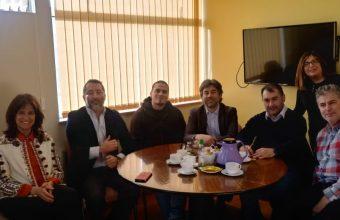 Autoridades de Psicología UDD visitan U. de Magallanes para fomentar alianzas de investigación